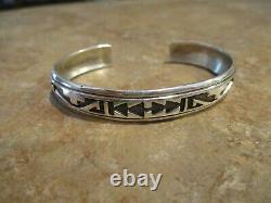EARLY Vintage Tommy Singer (d.) Navajo Sterling Silver Inlay Design Bracelet