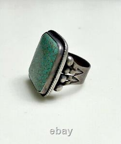 Early 1930s Navajo Turquoise Ring, 17.4 grams valuable stone Size 10ish