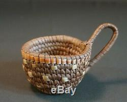 Fine Early1900 Native American Northwest Cowlitz Klickitat Imbricated Basket Cup