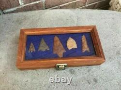 LOT- 5 Vintage Early Native American Stone Arrow Heads In Wood Display Case