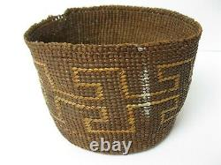 NATIVE AMERICAN Antique Early 20th C N. California Finely Woven Basket