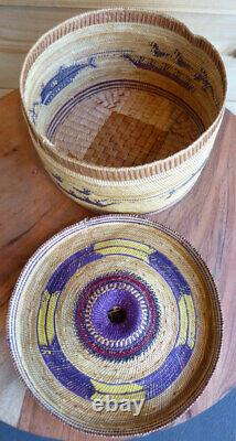 Native American Early 20th C. LARGE Basket Makah Nuu-chah-nulth Grass Basket