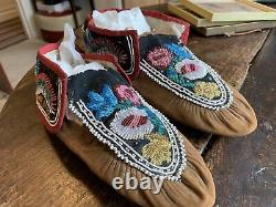 Pair Early 20c Native American Beadwork Moccasins