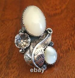 Vintage Early 70's Navajo Silver Mother Of Pearl Huge Alex Begay Ring