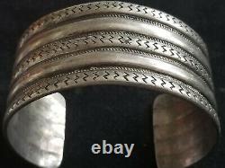 60 Grammes! Early Native American 5 Row Main Forgé Lingot Argent Bracelet
