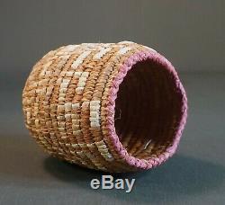 Au Début 1900 Amérindien Nw Columbia River Imbriquent Panier Taille Enfant