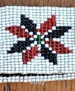 Bandeau Native Amérindienne Vintage Avec Rondins Et Autres Symboles Tribaux