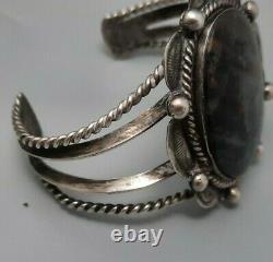Bracelet De Manchette En Bois Pétrifié Fred Harvey Navajo Noir Et Argent De Style Précoce