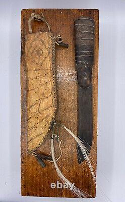 Couteau Et Gaine De Parfleche Amérindiens Précoces