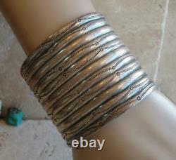 Début Des Années 1900 Navajo Wide Hand Wrought Silver Ingot Cuff Bracelet 60,8 Grammes
