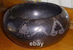 Formé - Décoré Début 20e C. San Ildefonso Native American Pottery Bowl