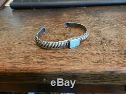Great Early C. 1900-1910 Navajo Lingot Bracelet Avec Ciselé Hand Design, Taille 8