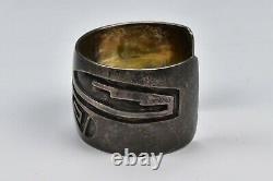 Heavy Early American Hopi Indian Pawn Sterling Silver Bracelet De Manchette Géométrique