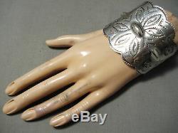L'un Des Meilleurs Early Vintage Navajo Coin Argent Repoussed Bracelet Manchette