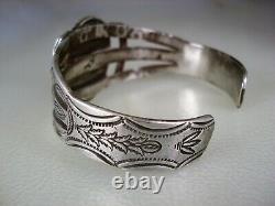 Old Navajo Handwrought Ingot Silver & Natural Turquoise Bracelet Pré-estampage
