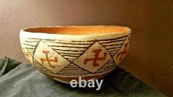 Premier Isleta Pueblo Pottery Bowl Whirling Logs Amérindiens