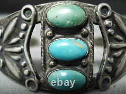 Premier Vintage Navajo Turquoise Repoussed Bracelet En Argent Sterling