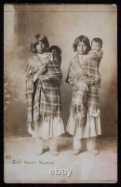 Super Rare Orig Photo Zuni Indian Squaws Native American Rppc Début Des Années 1900