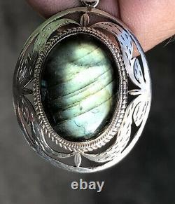 Superbe 20ème Cent. Navajo Sterling Et Natural Green Labrodorite Collier