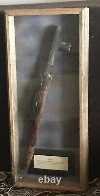 Vintage Antique Early Native Americans Peace Pipe Shadowbox Vieux