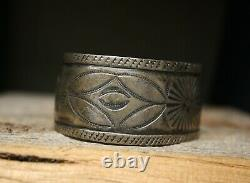 Vintage Early Navajo Native American Coin Argent Cuff Bracelet
